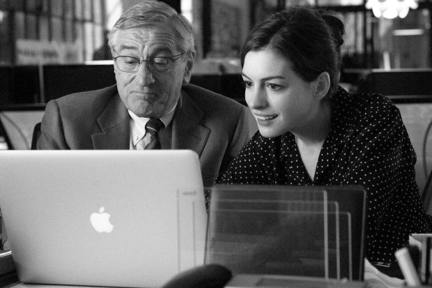 """FILM STILL - THE INTERN -  TIN-03251FDr  Film Name: THE INTERN  Copyright: © 2015 WARNER BROS. ENTERTAINMENT INC. AND RATPAC-DUNE ENTERTAINMENT LLC ALL RIGHTS RESERVED  Photo Credit: Francois Duhamel  Caption: (L-r) ROBERT DE NIRO as Ben Whittaker and ANNE HATHAWAY as Jules Ostin in Warner Bros. Pictures' comedy """"THE INTERN,"""" a Warner Bros. Pictures release."""